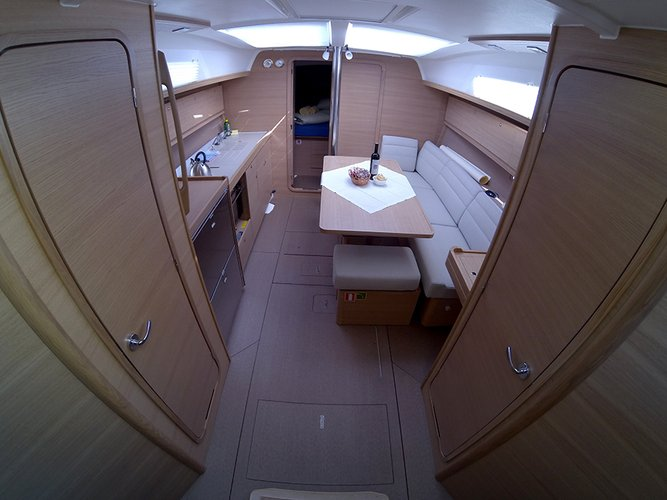 This 36.0' Dufour Yachts cand take up to 8 passengers around Šibenik region