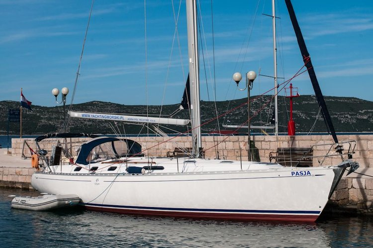 Enjoy luxury and comfort on this Dufour Yachts in Zadar region
