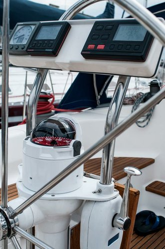 This 45.0' Dufour Yachts cand take up to 8 passengers around Zadar region