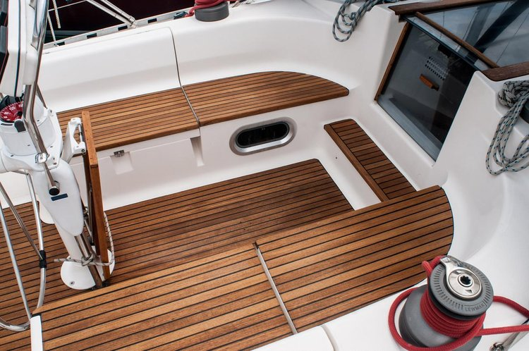 Discover Zadar region surroundings on this Dufour 45 Classic Dufour Yachts boat