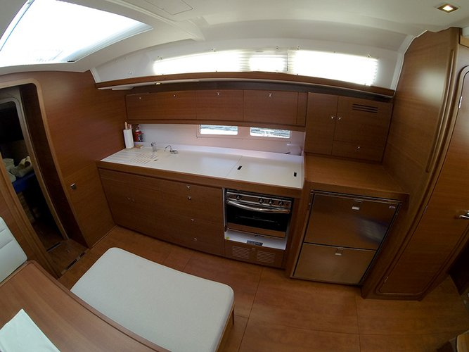 This 46.0' Dufour Yachts cand take up to 10 passengers around Šibenik region