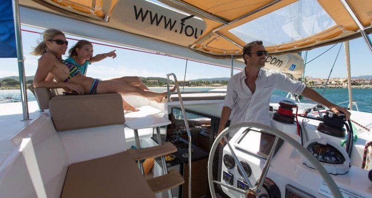Discover Cyclades surroundings on this Helia 44 Fountaine Pajot boat