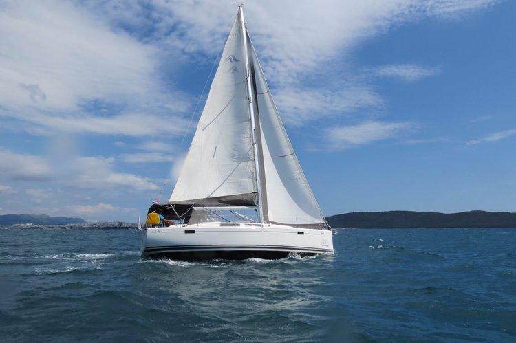 Boat for rent Hanse Yachts 37.0 feet in Marina Kastela, Kastela,