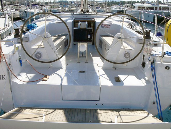Discover Šibenik region surroundings on this Hanse 445 Hanse Yachts boat
