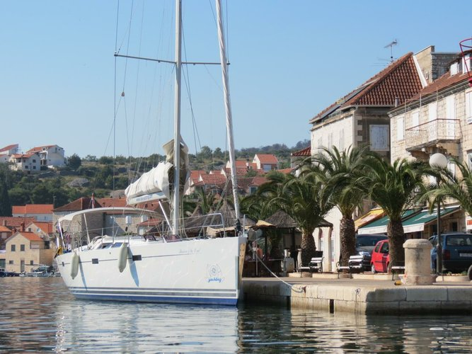 Discover Split region surroundings on this Hanse 470 Hanse Yachts boat