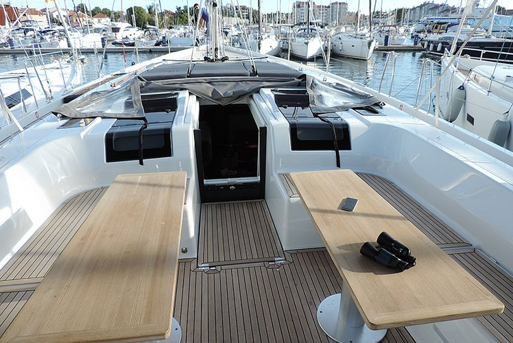 This 56.0' Hanse Yachts cand take up to 10 passengers around Split region