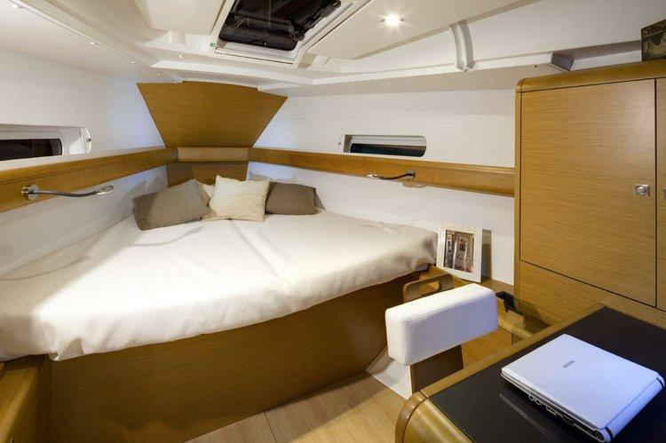 Boat for rent Jeanneau 41.0 feet in Cyclades, Greece