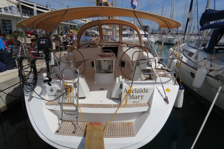 Discover Split region surroundings on this Sun Odyssey 44i Jeanneau boat