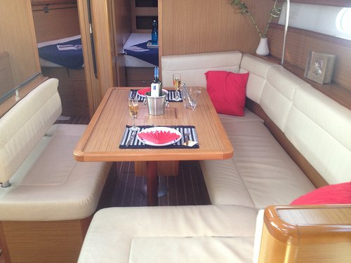 Discover Thessaly surroundings on this Sun Odyssey 44i Jeanneau boat