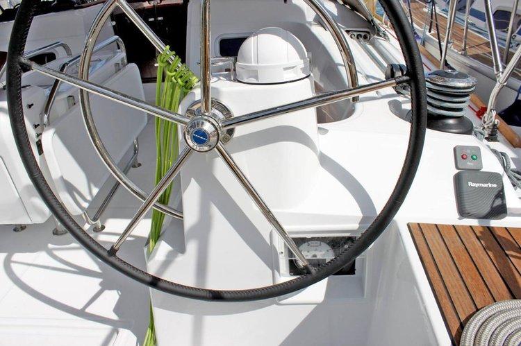 Jeanneau's 47.0 feet in Cyclades