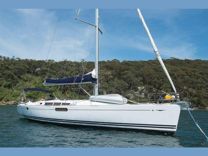 Discover Šibenik region surroundings on this Sun Odyssey 49i Jeanneau boat