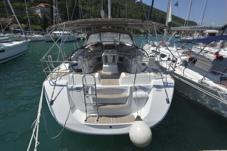 Discover Dubrovnik region surroundings on this Jeanneau 53 Jeanneau boat