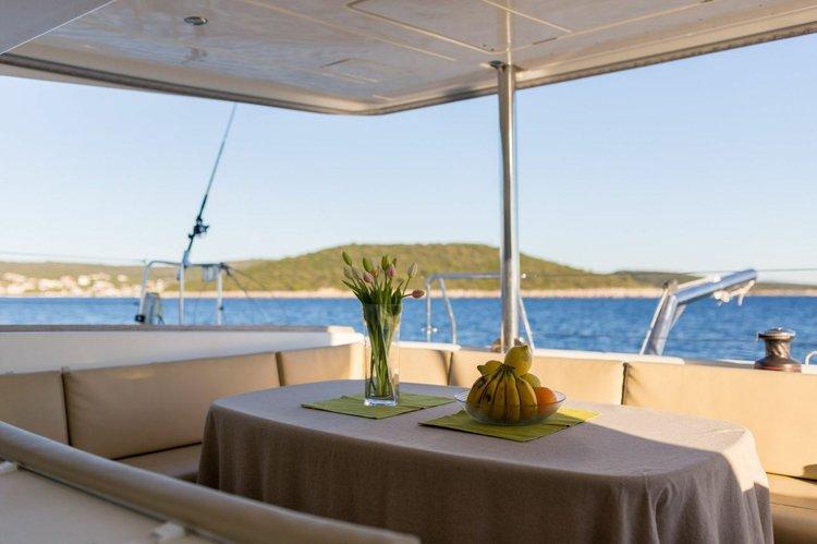 Discover Split region surroundings on this Lagoon 500 Lagoon-Bénéteau boat
