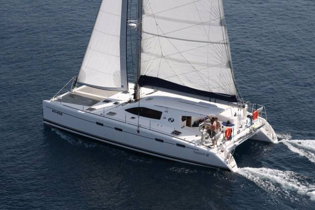 Discover  surroundings on this Nautitech 47 Nautitech Rochefort boat