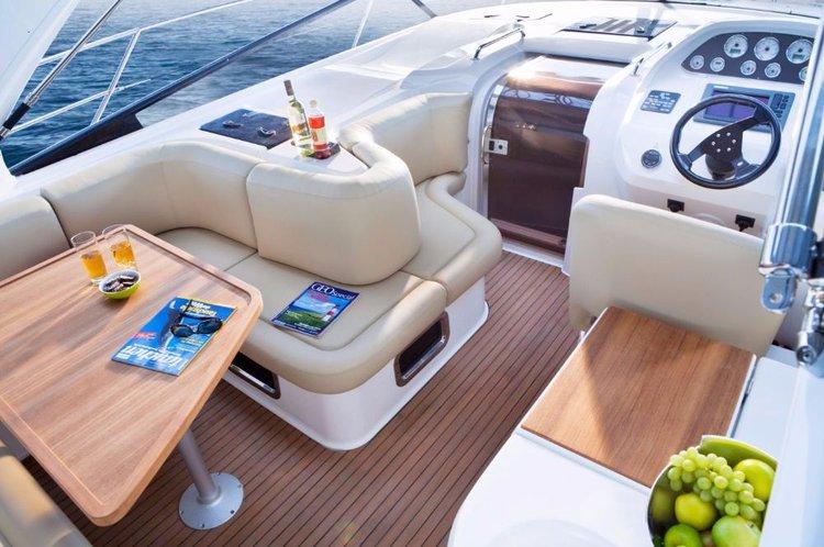 This 40.0' Bavaria Yachtbau cand take up to 6 passengers around Liguria