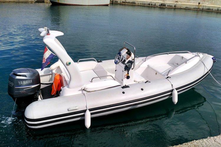 Rigid inflatable boat for rent in Split region