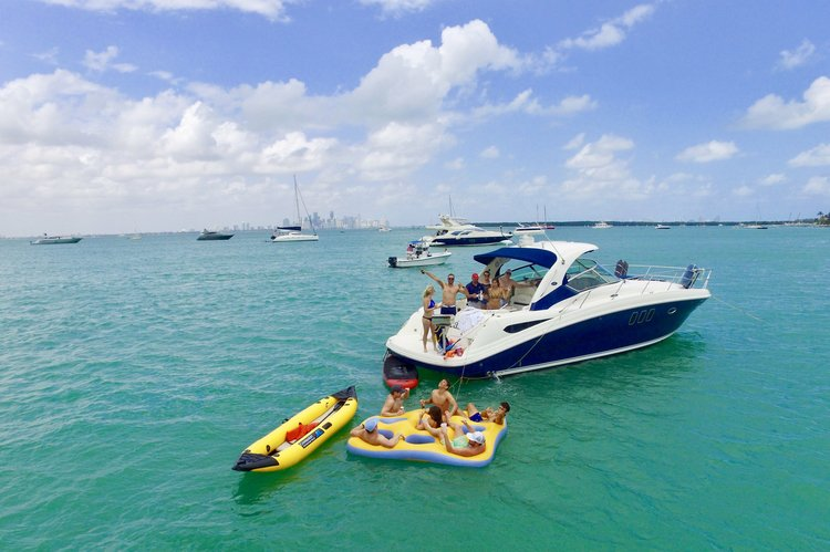 Discover Key Biscayne surroundings on this 380 Sundancer Sea Ray boat