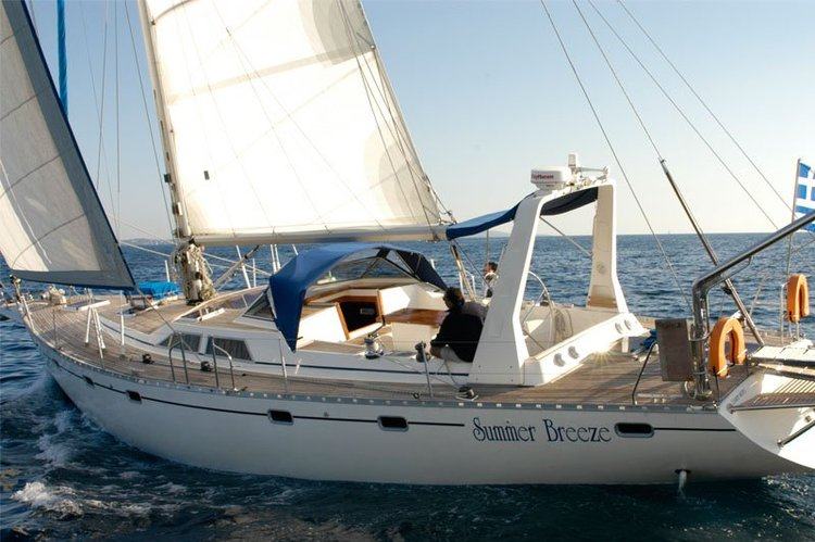 Boating is fun with a Classic in Saronic Gulf