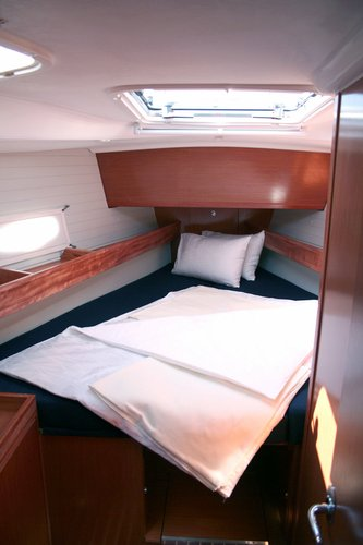 Discover Šibenik region surroundings on this Bavaria 51 Cruiser Bavaria Yachtbau boat