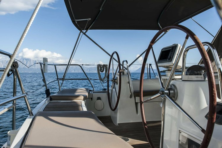 Discover Ionian Islands surroundings on this Oceanis Beneteau boat