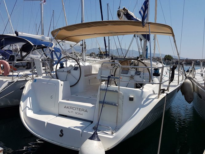 Bénéteau's 43.0 feet in Saronic Gulf