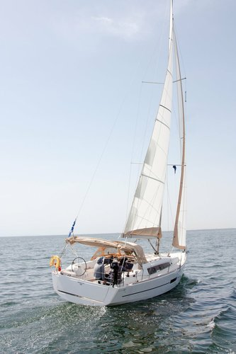This 36.0' Dufour Yachts cand take up to 8 passengers around Macedonia