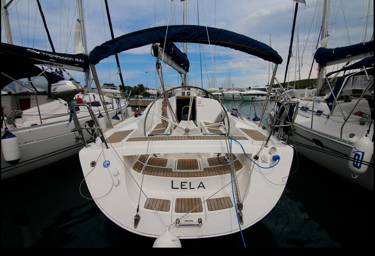 Jump aboard this beautiful Elan Marine Elan 37
