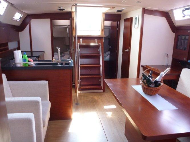 This 46.0' Hanse Yachts cand take up to 7 passengers around Split region