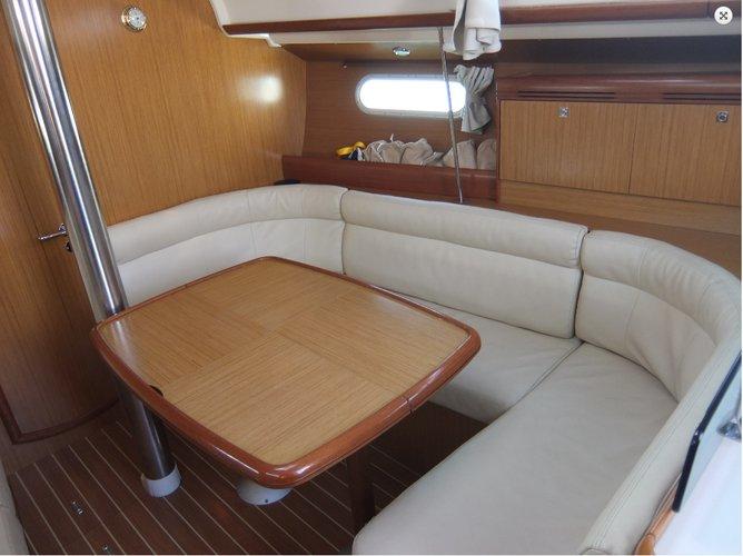 Jeanneau's 38.0 feet in Zadar region