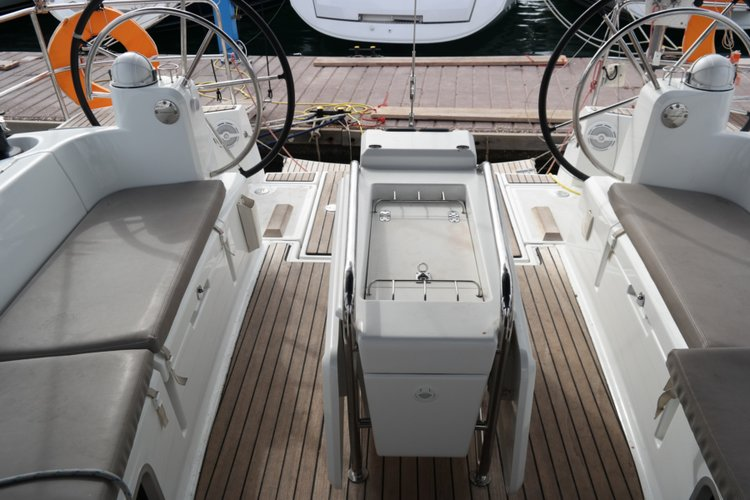 Discover Saronic Gulf surroundings on this Sun Odyssey 469 Jeanneau boat