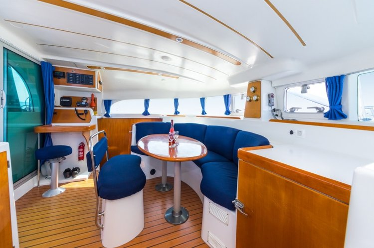 This 37.0' Lagoon-Bénéteau cand take up to 8 passengers around Zadar region