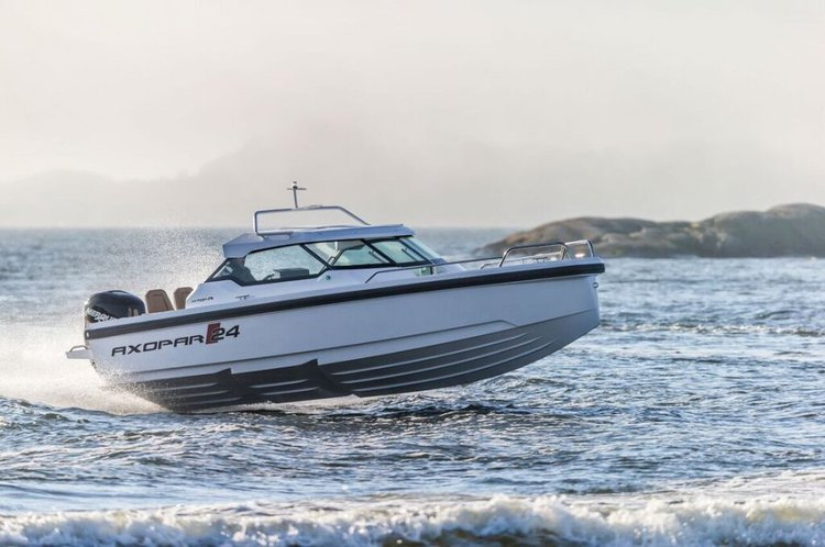 Discover Split region surroundings on this Axopar 24 HT Axopar boat