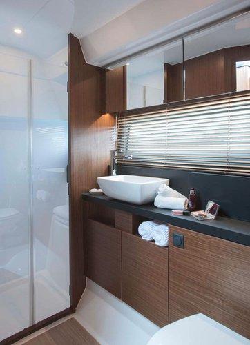 Discover Split region surroundings on this Bavaria R40 Fly Bavaria Yachtbau boat