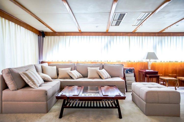 Discover Split region surroundings on this Broward 30M Broward boat