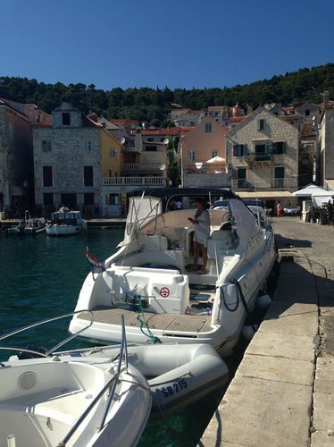 Cruise Šibenik region waters on a beautiful Cranchi