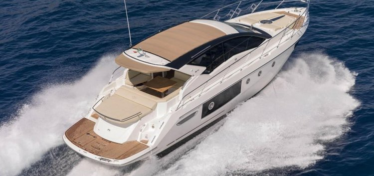 Discover Split region surroundings on this Cranchi M44 HT Cranchi boat