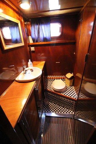 Discover Zadar region surroundings on this De Groot 43 Fly De Groot boat