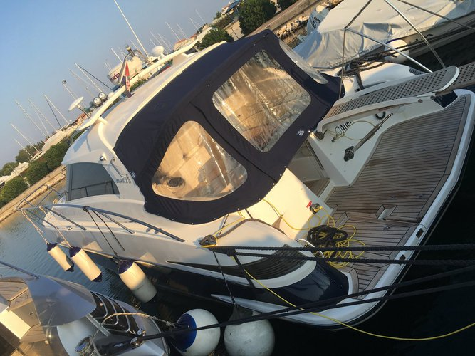 This 36.0' ELAN MOTOR YACHTS d.o.o. cand take up to 5 passengers around Split region