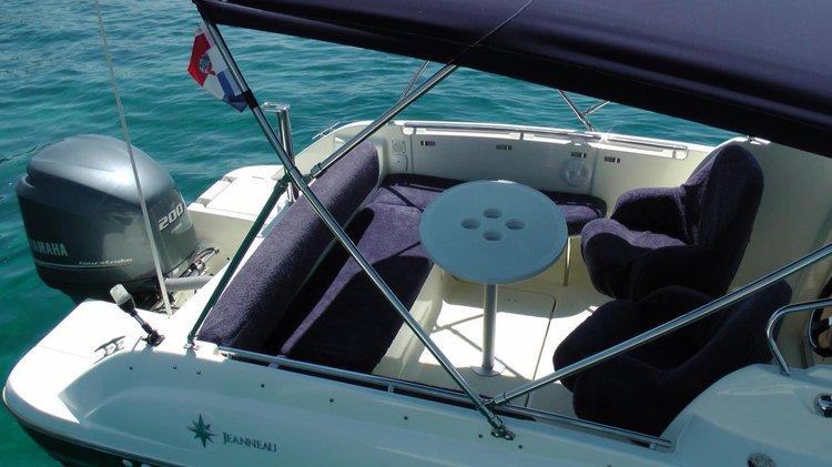 Boat for rent Jeanneau 23.0 feet in Marina Trogir – ACI,