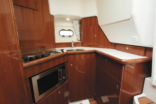 Discover Ionian Islands surroundings on this Prestige 32 Fly Jeanneau boat