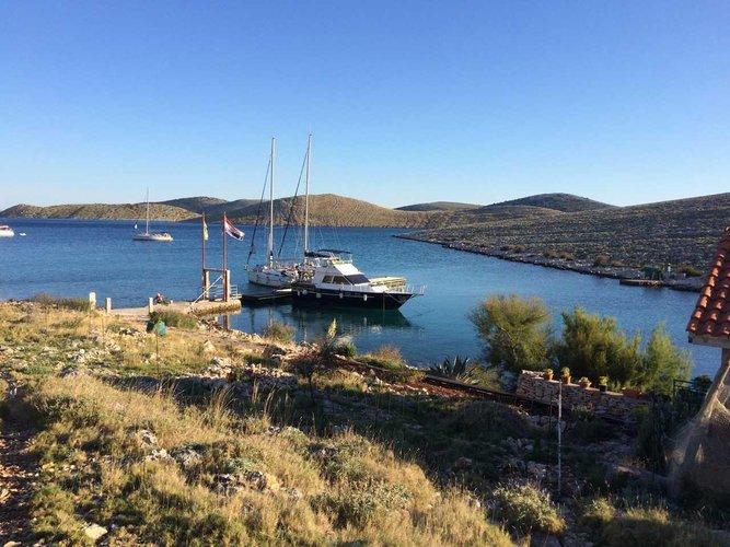 Boating is fun with a Motor yacht in Zadar region