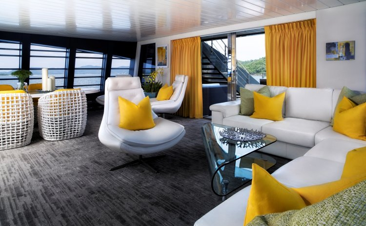 Up to 50 persons can enjoy a ride on this Mega yacht boat