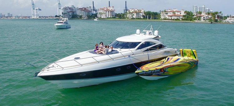 This 70.0' SUNSEEKER cand take up to 12 passengers around Miami
