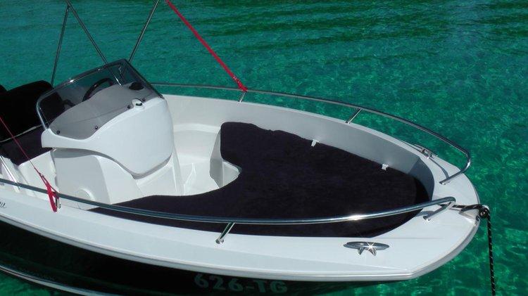 Discover Split region surroundings on this Sessa Key Largo One Sessa Marine boat