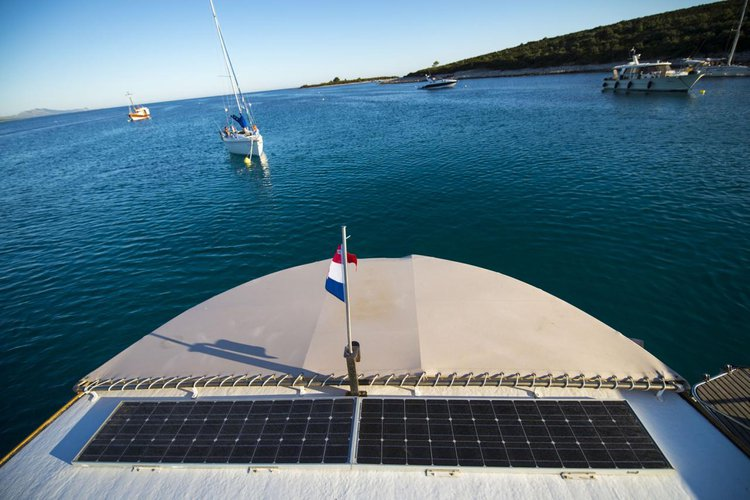Discover Zadar region surroundings on this Yacht TIHO Custom Made boat