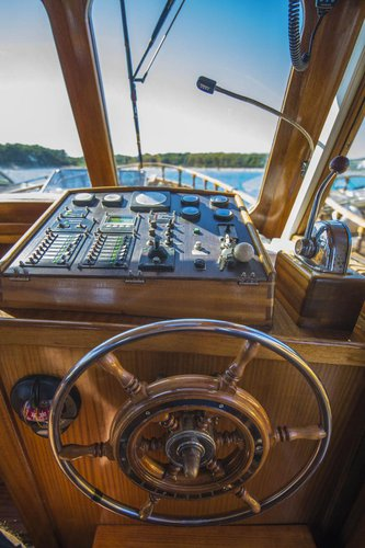 Discover Zadar region surroundings on this Yacht LUKA Custom Made boat