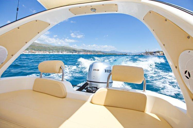 Inmark Marine's 20.0 feet in Split region