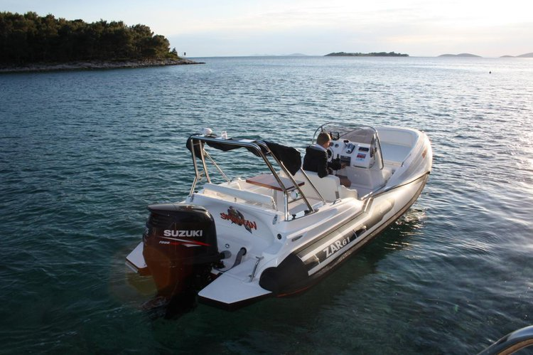 Discover Zadar region surroundings on this ZAR 61 Suite ZAR FORMENTI SRL boat