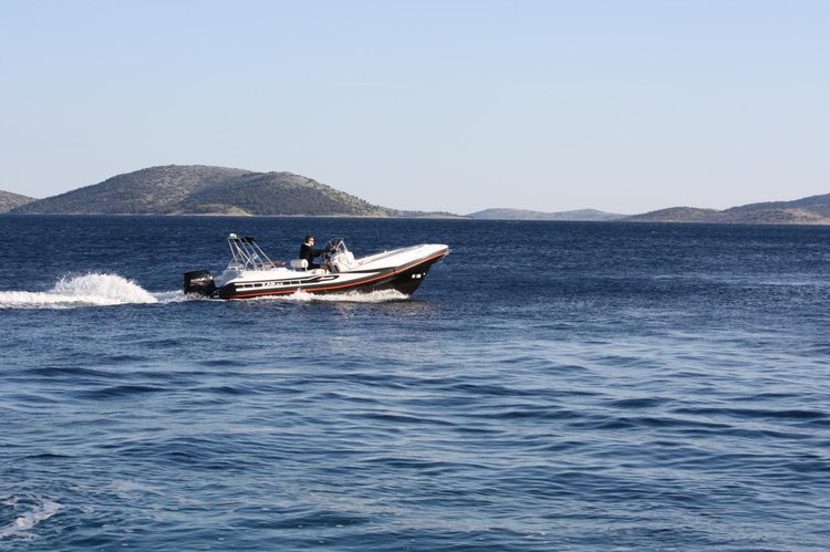 Discover Zadar region surroundings on this ZAR 65 Suite ZAR FORMENTI SRL boat