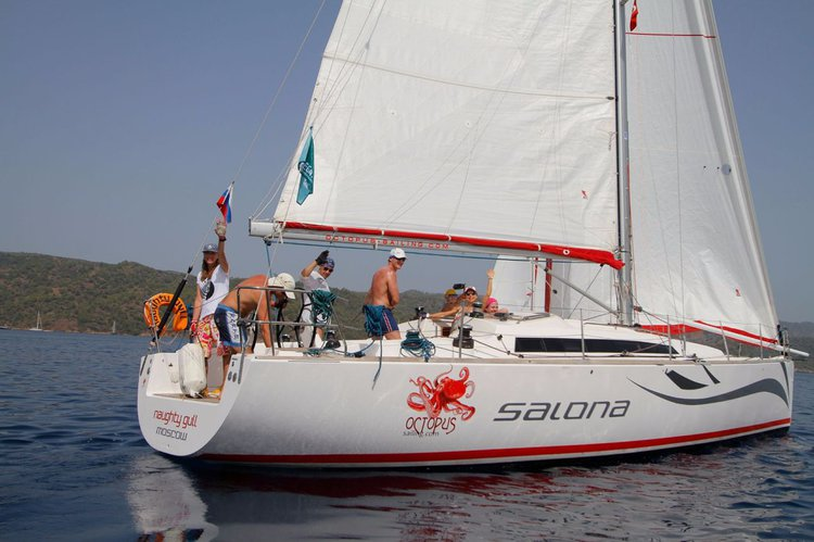 Experience Aegean on board this amazing AD Boats Salona 41